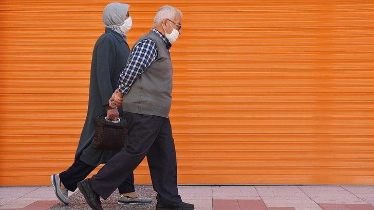65 yaş üstü sokağa çıkma saatleri | 65 yaş üstü hafta içi ve hafta sonu kaça kadar dışarı çıkabilir? İşte 65 yaş üstü için sokağa çıkma saatleri