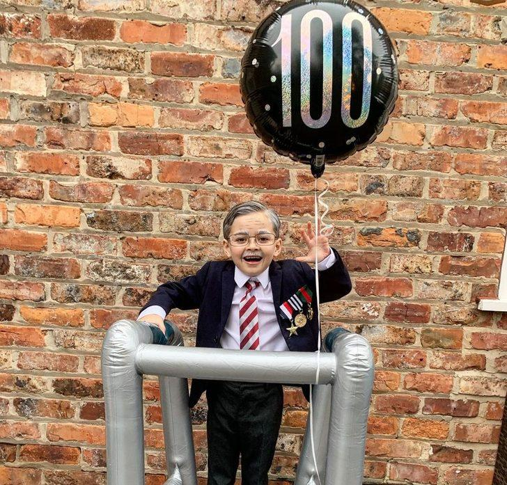 İngiltere'de Sir Tom Moore kılığına giren 6 yaşındaki çocuk 10 bin sterlinden fazla bağış topladı
