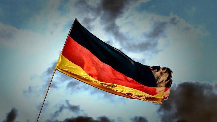 Almanya birleşmenin ardından en büyük bütçe açığını gördü