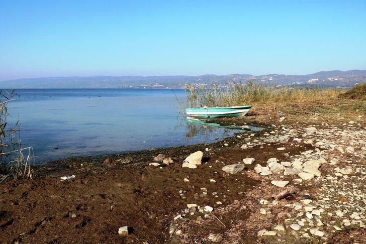 Sapanca Gölü'nde su seviyesi gitgide düşüyor