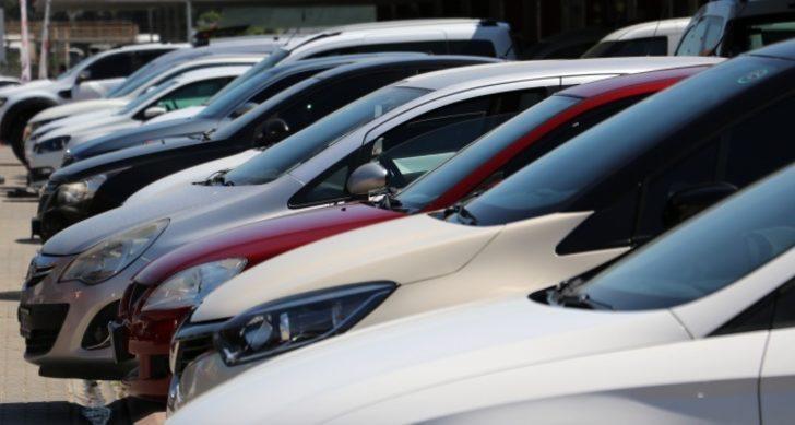 Piyasada hareketlilik başladı! Şimdi araba alınır mı? İkinci el araba fiyatları düşüyor mu, yükselecek mi? İkinci el araç piyasasında son durum