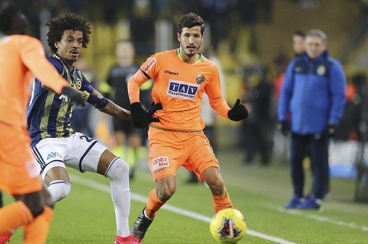 Sait Karafırtınalar: Salih Uçan, Galatasaray ile anlaştı