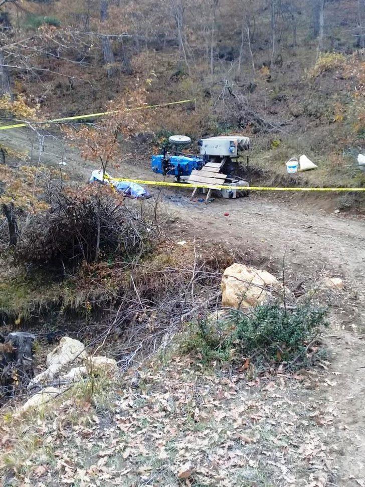 Sakarya'da mantar toplamaya giden ailenin traktörü devrildi: 2 ölü, 1 yaralı