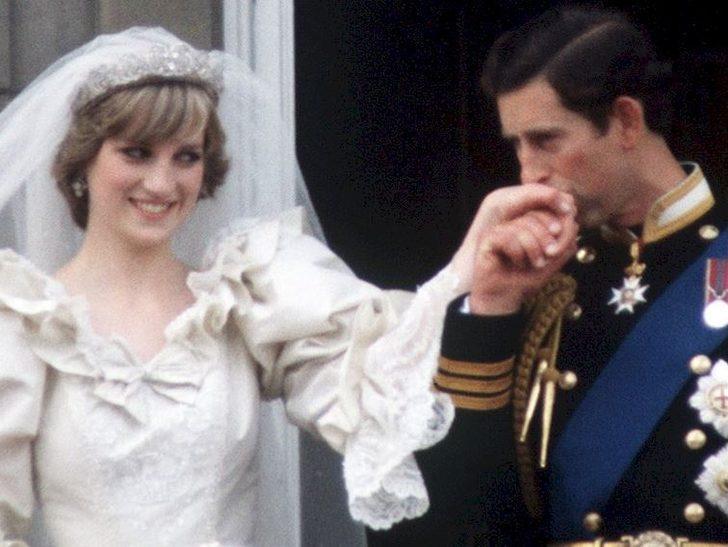 The Crown 4. sezonda Prenses Diana ve Prens Charles'ın düğünün neden gösterilmedi?