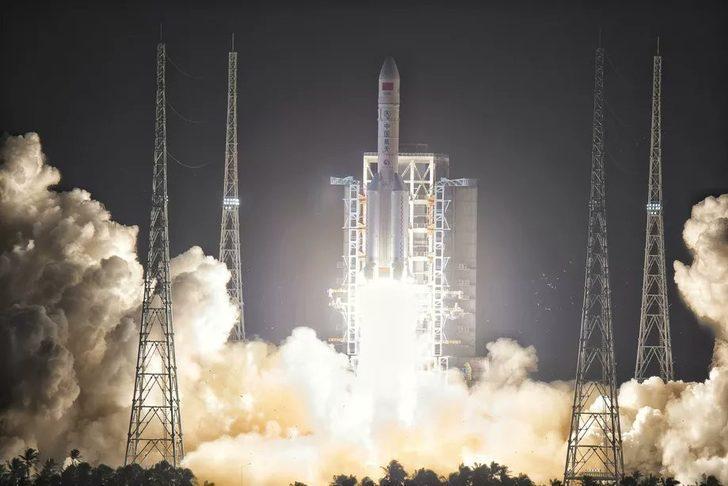 Çin'in insansız uzay aracı yola çıktı