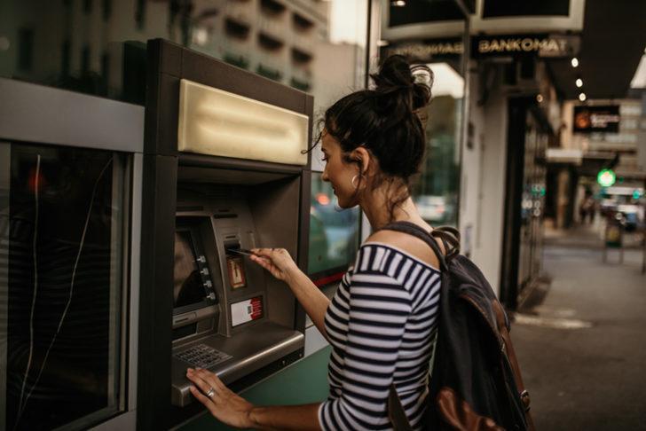 24 Kasım 2020 Salı bankaların güncel kredi faiz oranları... Ziraat Bankası, Vakıfbank, Halkbank ihtiyaç taşıt konut kredisi faiz oranları ne kadar?