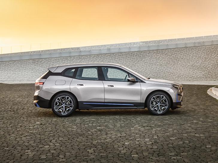 BMW tepki çeken paylaşımı için özür diledi!