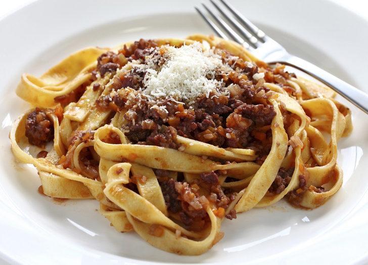 Bolognese Soslu Tagliatelle nasıl yapılır? İşte MasterChef bolognese soslu tagliatelle tarifi, malzemeleri ve püf noktası
