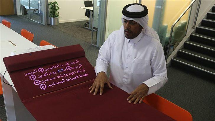 Katarlı bilgisayar mühendisi, namaz kılmayı öğreten 'akıllı seccade' tasarladı