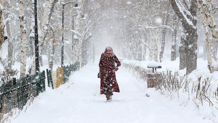 Meteoroloji'den yağış ve kar uyarısı! Bu bölgelerde oturanlar dikkat (26 Kasım İstanbul'da hava durumu)