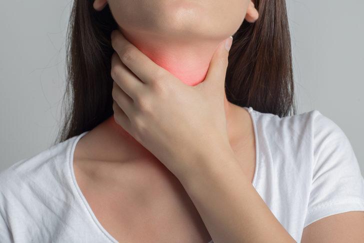 Gırtlak kanseri belirtileri ani ses kısıklığı ile başlıyor!