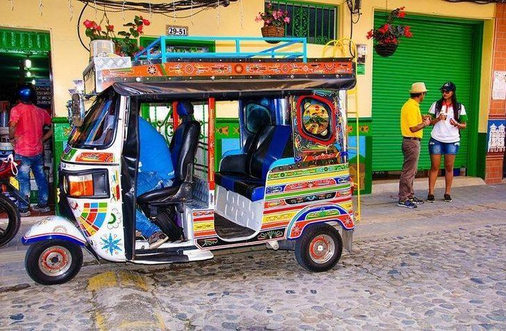 Dünyanın en renkli kasabası! Fotoğrafları içinizi ısıtacak