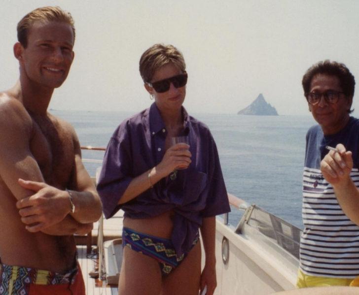 Prenses Diana'nın daha öne hiç görülmemiş bikinili fotoğrafları