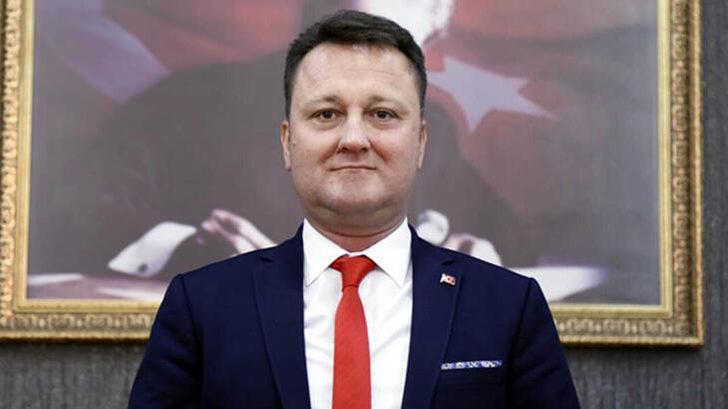 Son dakika: Menemen Belediye Başkanı Serdar Aksoy görevden uzaklaştırıldı