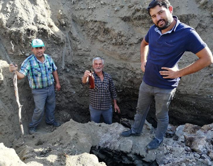 Burdur'da köylüler büyük şaşkınlık yaşadı! Su kuyusunda atalarının yazdığı notları buldular