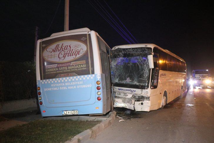 Kütahya'da otobüsler çarpıştı: 12 yaralı