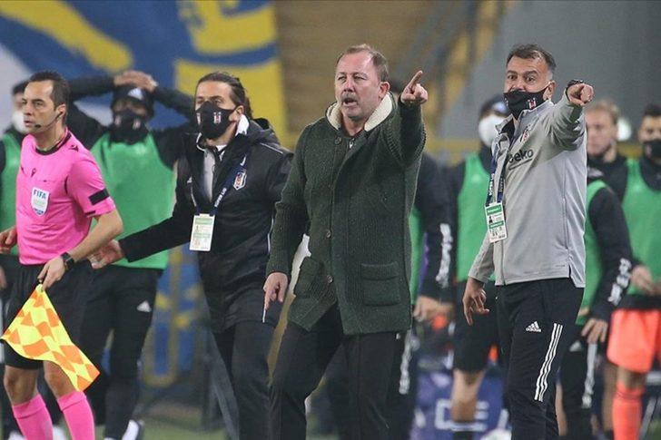 Kadıköy'de gergin anlar! 'Mert Hakan sana ne oluyor?'