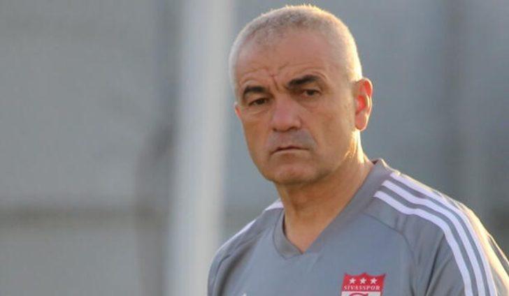 """Sivasspor'da Rıza Çalımbay: """"2 top toplayıcı arkadaşı kadroya aldık"""""""