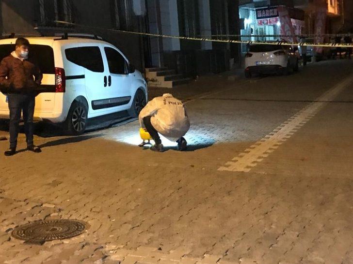 Esenyurt'ta silahlı saldırı! Sokak ortasında kurşun yağmuruna tuttular