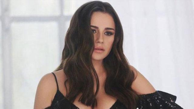 Ünlü şarkıcının acı günü! Sosyal medyadan duyurdu