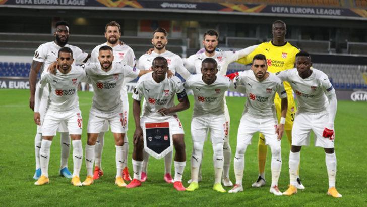 Sivasspor'a UEFA maçı öncesi şok!