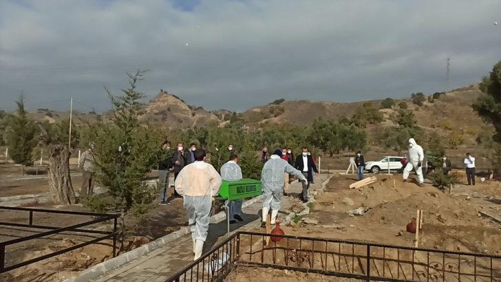 Nazilli'de koronavirüsten ölenler mezarlıkta ayrı bölüme defnediliyor