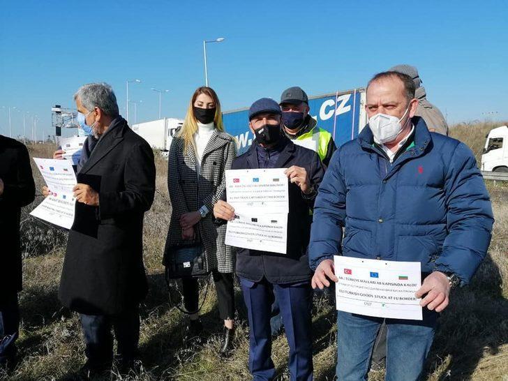 Bulgaristan'da nakliyecilerden uzun süren işlemlere karşı protesto