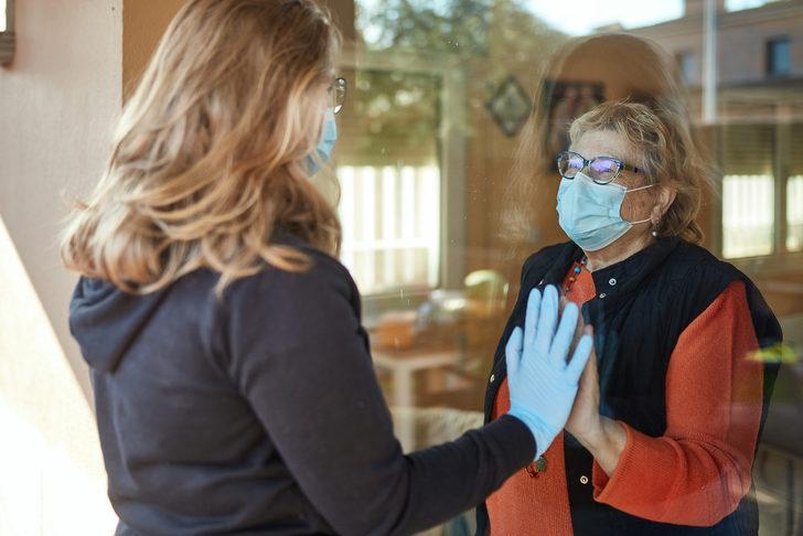Uzmanlardan koronavirüs uyarısı: Pandemi döneminde misafir kabul etmeyin