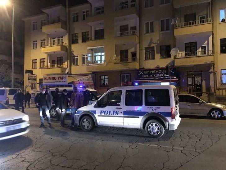 Kayseri'de silahlı kavga! Kanlar içinde berbere sığındı