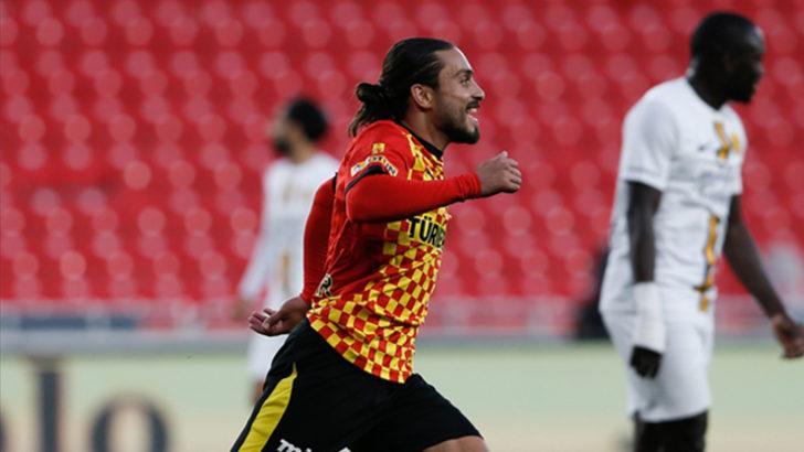 Göztepe'de Halil Akbunar 100. Süper Lig maçına çıktı