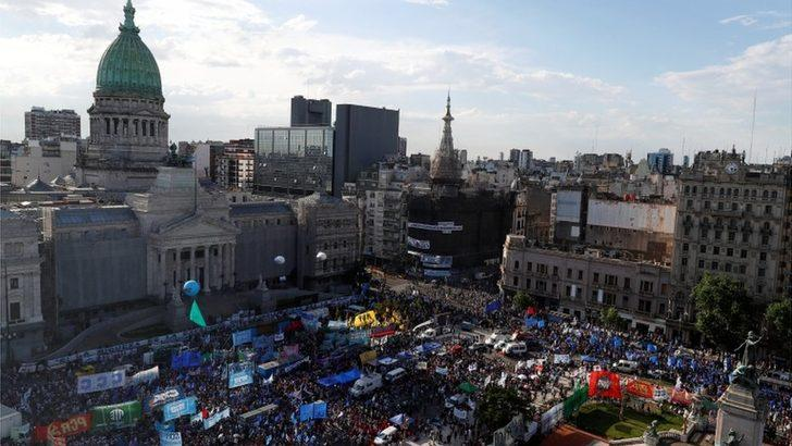 Arjantin, koronavirüs önlemleri için en zenginlere vergi getirdi