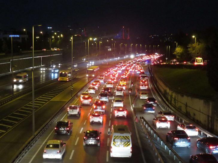 İstanbul'da yol durumu! 15 Temmuz Şehitler Köprüsü'nde trafik yoğunluğu