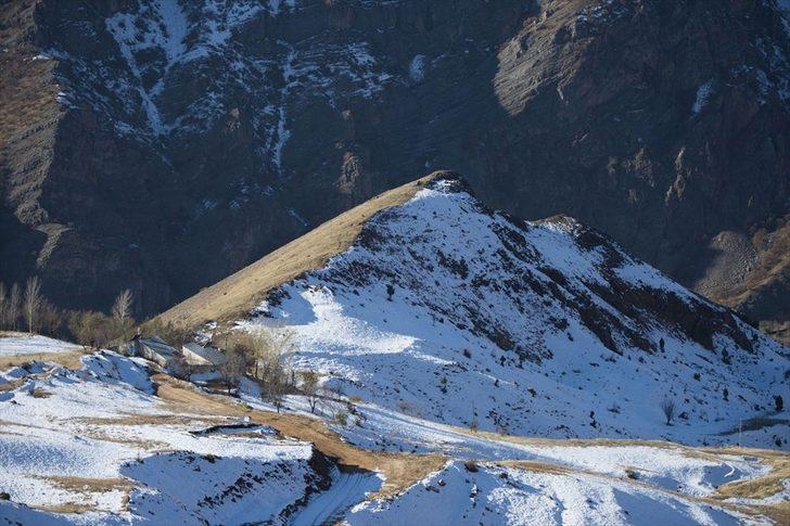 Tunceli dağlarında kış, ovalarında sonbahar havası yaşanıyor