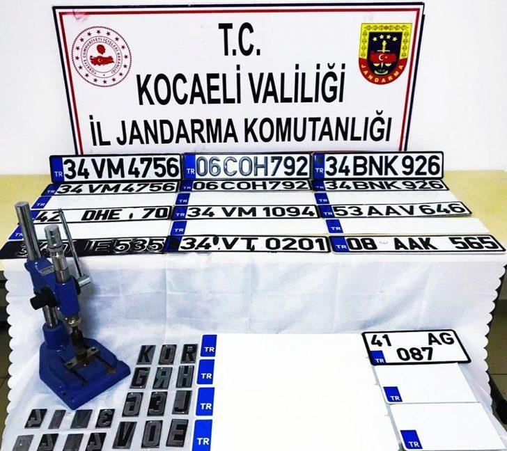 Kocaeli'de konteynerde sahte plaka basanlara operasyon: 2 gözaltı