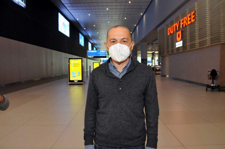 Cüneyt Çakır'dan kırmızı kartı unuttu haberlerine tepki