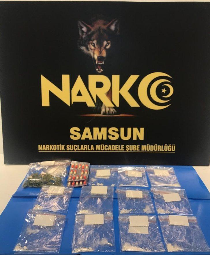 Samsun'da araçlarında kokain ele geçen 2 kişi gözaltına alındı