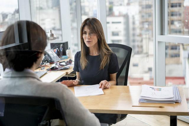yönetici kadın ofis çalışan memur