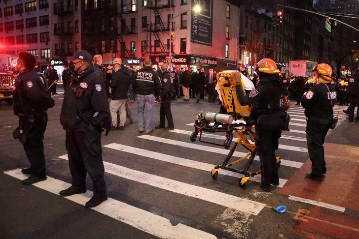 ABD'de göstericilerin arasına araç daldı: Yaralılar var