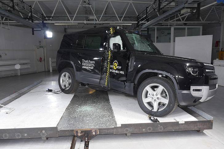 Land Rover Defender'a Euro NCAP'tan 5 yıldız
