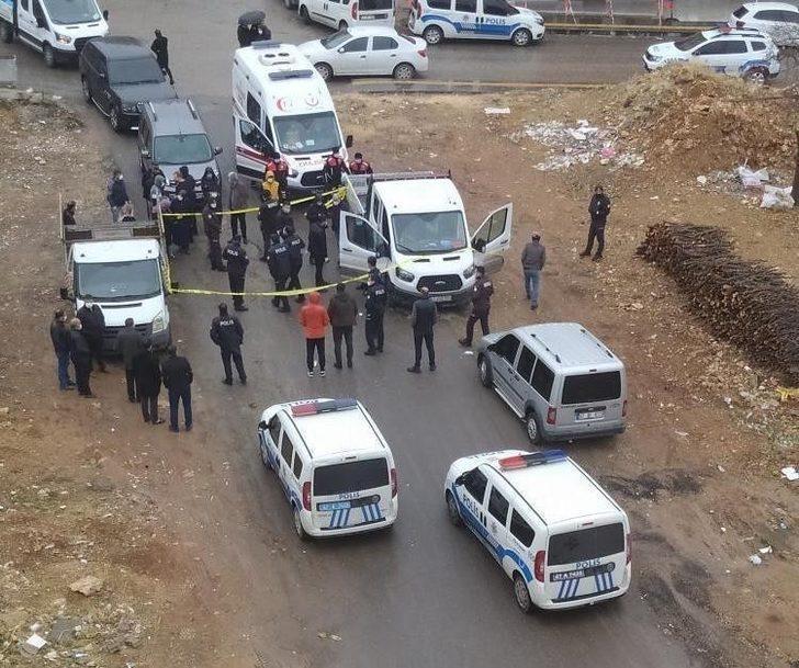 Mardin'de park halindeki araçta bir kişi ölü bulundu