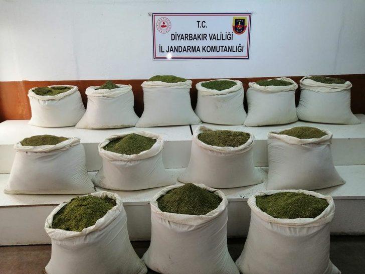 İçişleri Bakanlığı duyurdu! Lice'de 1 ton uyuşturucu ele geçirildi