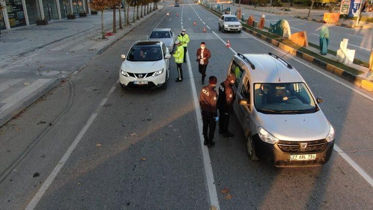 Gaziantep'te kısıtlamanın son gününde sürücülere ceza yağdı