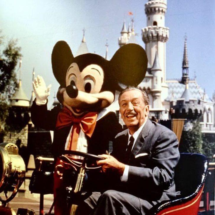 Herkesin hayranlık duyarak takip ettiği Walt Disney'in filmlere konu olacak yaşam öyküsü!