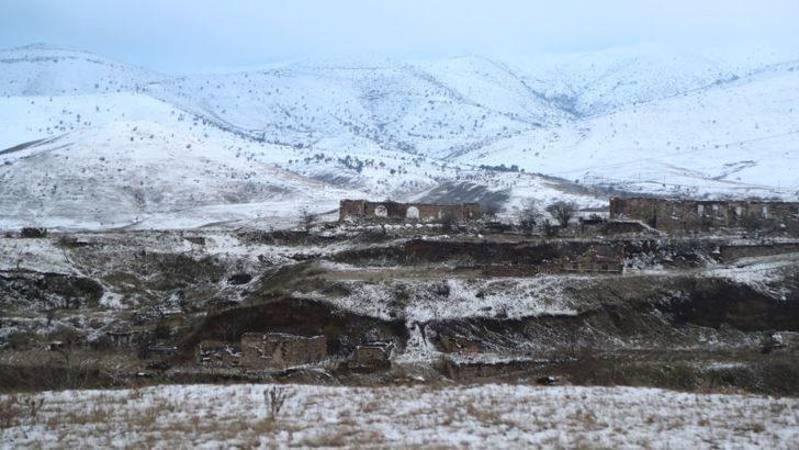 Azerbaycan ve Ermenistan Savaş Tutsakları Takasına Başladı