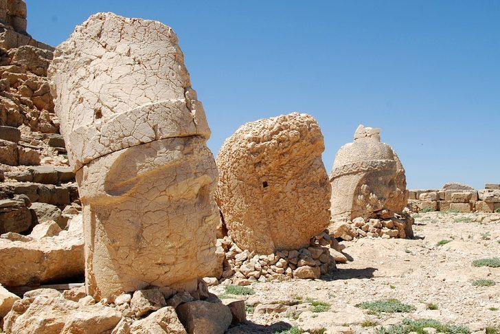 Nemrut dağı nerede hangi ilde? Rakımı kaç, özellikleri ve heykellerinin hikayesi nedir?