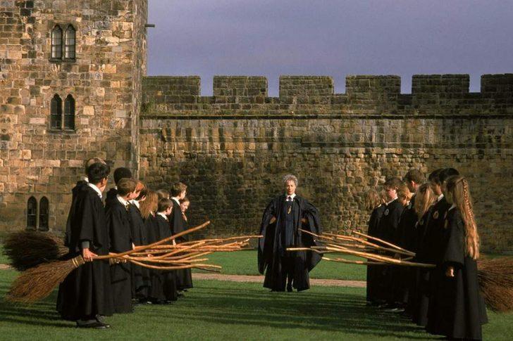 Harry Potter kalesinde işe başlayacak 'stajyer sihirbazlar' aranıyor