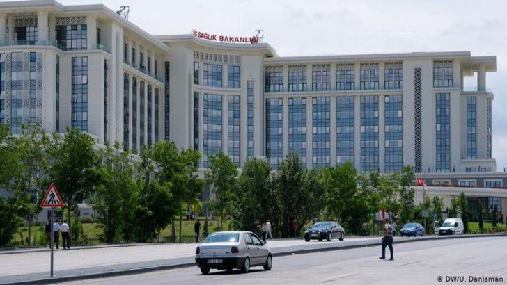 """Sağlık Bakanlığı """"Covid-19 Takip Merkezleri"""" açıyor"""