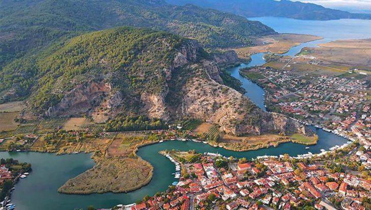 Dalyan'daki antik kent ve tepenin caretta caretta şeklinde olduğu görüldü
