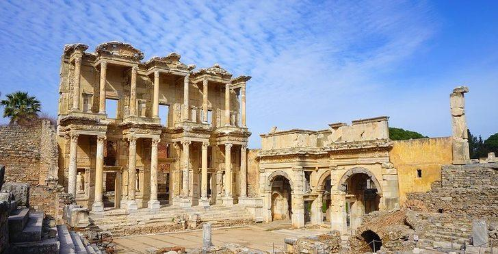 Efes antik kenti nerede? Tarihi, yapılma amacı, hikayesi nedir?
