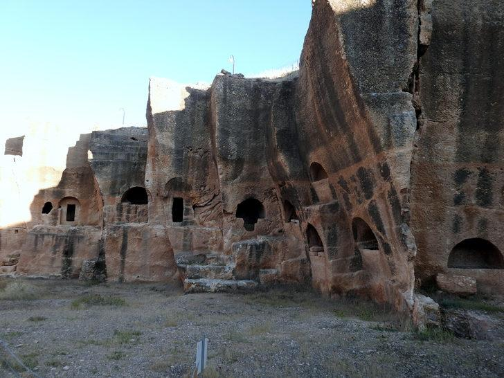 Dara Antik Kenti nerede? Dara Antik Kenti nasıl gidilir, yol tarifi? Dara Antik Kenti iletişim